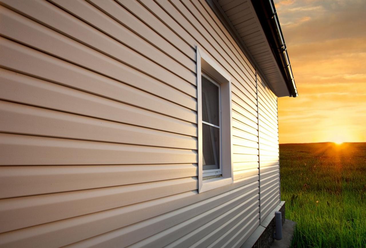 Сайдинг превратит любую постройку в кирпичный коттедж или дом в скандинавском стиле